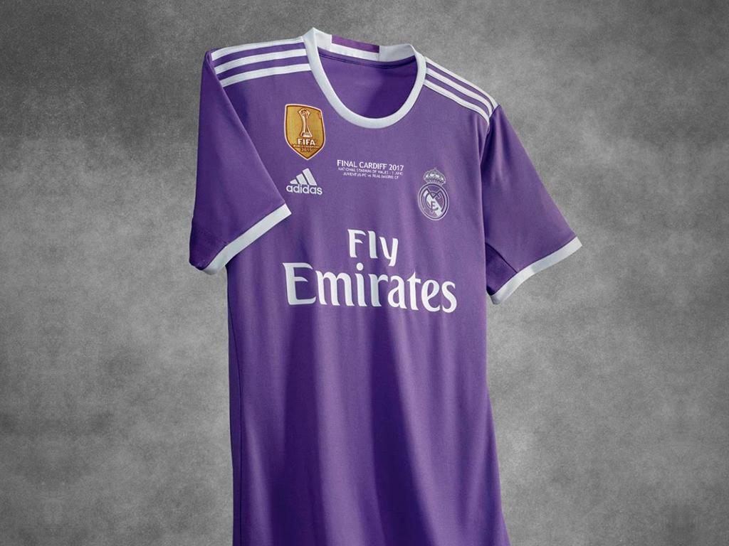 El Real Madrid disputará por segunda ocasión una final de la Copa de Europa  con una camiseta que no sea la blanca habitual 14af897baf315
