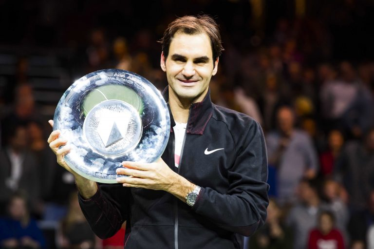 Rotterdam (Netherlands), 18/02/2018.- Roger Federer of Switzerland poses with his trophy after defeating Grigor Dimitrov of Bulgaria in their final match of the ABN Amro World Tennis Tournament in Rotterdam, Netherlands, 18 February 2018. (Tenis, Suiza, Países Bajos; Holanda) EFE/EPA/KOEN SUYK