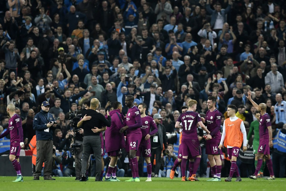 WO002. London (United Kingdom), 14/04/2018.- Manchester City players and fans celebrate after the English Premier League soccer match Tottenham Hotspur vs Manchester City at Wembley Stadium, London, Britain, 14 April 2018. (Londres) EFE/EPA/WILL OLIVER EDITORIAL USE ONLY. No use with unauthorized audio, video, data, fixture lists, club/league logos or 'live' services. Online in-match use limited to 75 images, no video emulation. No use in betting, games or single club/league/player publications