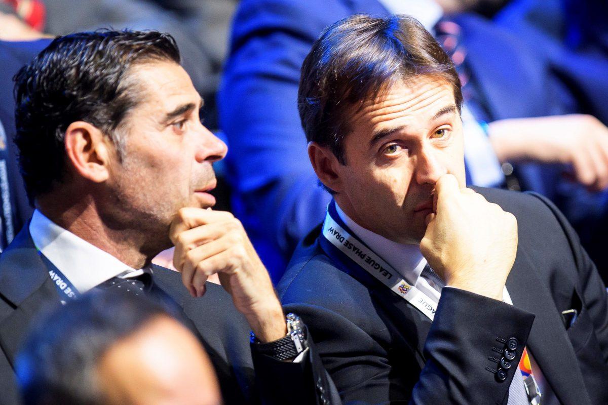 EPA702. LAUSANNE (SUIZA), 24/01/2018.- El entrenador de la selección española Julen Lopetegui (d) y el exfutbolista Fernando Hierro (i) asisten a la Liga Europea de las Naciones de la UEFA (Nations League) en el Centro de Convenciones SwissTech, en Lausanne (Suiza), fotografía de archivo, del 24 de enero de 2018. Luis Rubiales, presidente de la Federación Española de Fútbol, ha anunciado hoy, 13 de junio de 2018, la destitución del seleccionador español Julen Lopetegui, tras confirmarse que este será el entrenador del Real Madrid para las tres próximas temporadas. EFE/ Jean-christophe Bott