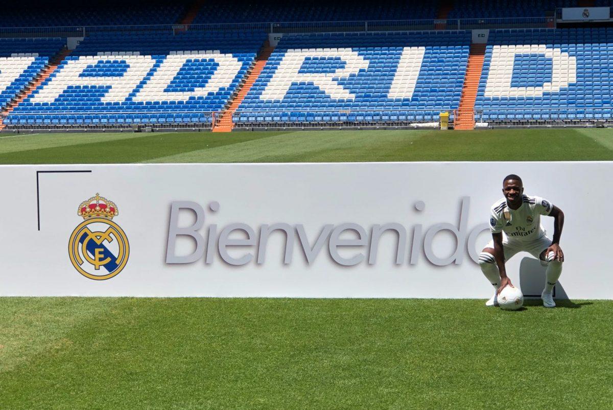 Vinicius Jr. es presentado oficialmente como nuevo jugador del Real ... 2f7416c8216f1