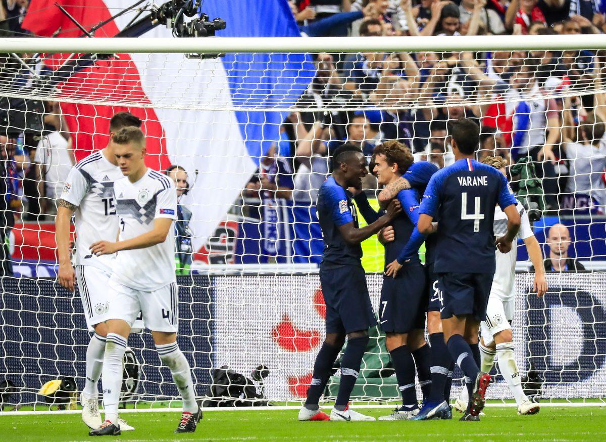 PT08. PARÍS (FRANCIA), 16/10/2018.- El jugador Antoine Griezmann (3d) de Francia celebra la anotación de un gol hoy, martes 16 de octubre de 2018, durante un partido entre Francia y Alemania de la Liga de las Naciones en París (Francia). EFE/Christophe Petit-Tesson