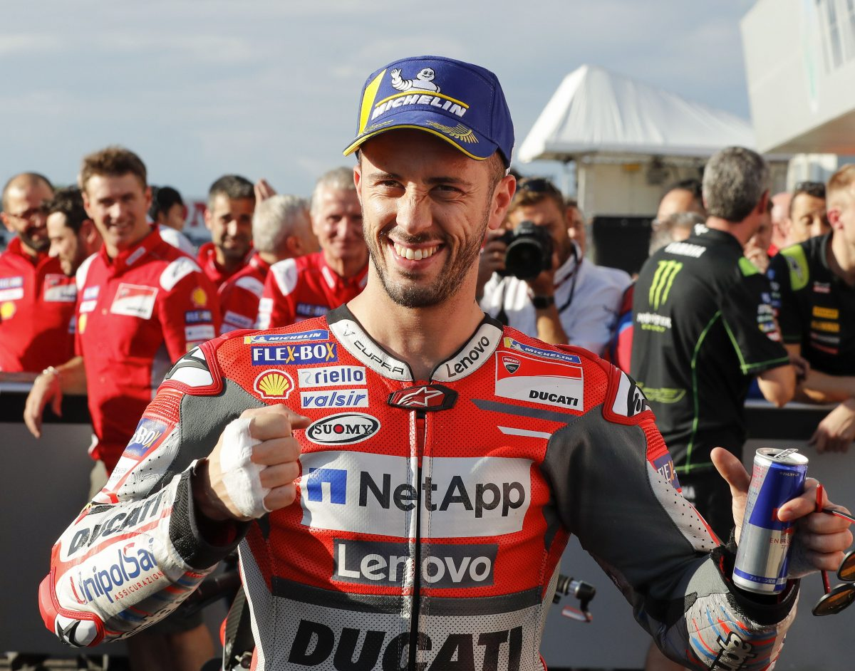 KMA30. Motegi (Japan), 19/10/2018.- Italian MotoGP rider Andrea Dovizioso of Ducati Team is celebrates after taking pole position in the official qualifying session of MotoGP Motorcycling Grand Prix of Japan at Twin Ring Motegi, Tochigi Prefecture, northern Japan, 20 October 2018. The 2018 Japanese MotoGP race will be held on 21 October 2018. (Motociclismo, Ciclismo, Japón) EFE/EPA/KIMIMASA MAYAMA