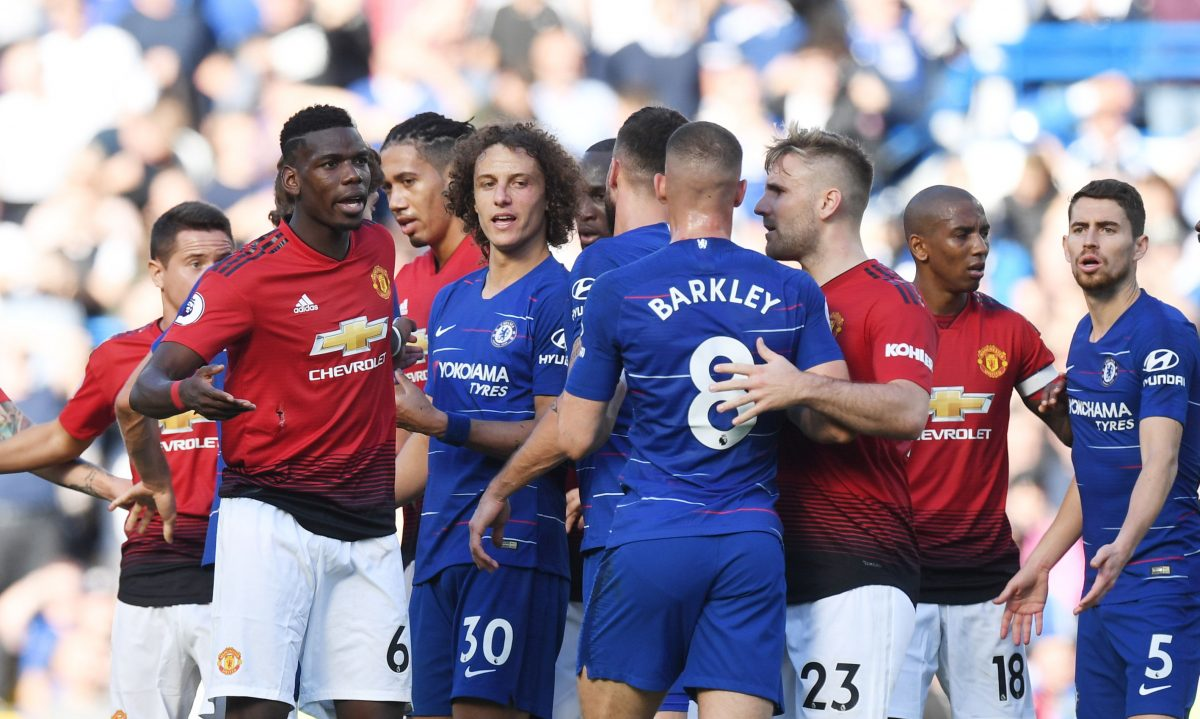 FMA0001. London (United Kingdom), 20/10/2018.- Manchester United and Chelsea players scuffle during the game during the English Premier League soccer match between Chelsea and Manchester United at Stamford Bridge in London, Britain, 20 October 2018. (Londres) EFE/EPA/FACUNDO ARRIZABALAGA EDITORIAL USE ONLY. No use with unauthorized audio, video, data, fixture lists, club/league logos or 'live' services. Online in-match use limited to 75 images, no video emulation. No use in betting, games or single club/league/player publications
