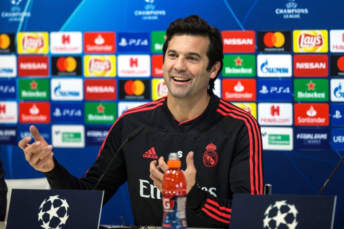 GRAF4941. MADRID, 11/12/2018.- El técnico del Real Madrid, Santiago Solari, durante la rueda de prensa que ofreció hoy en Valdebebas, donde se entrena el equipo para preparar el partido de la Liga de Campeones que disputa mañana, miércoles, frente el CSK de Moscú en el Santiago Bernabéu. EFE /Rodrigo Jimenez