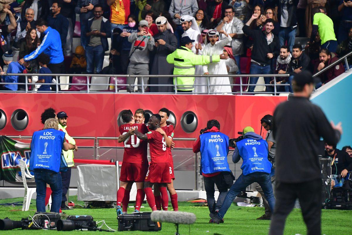 Liverpool celebrando el gol de Firmino