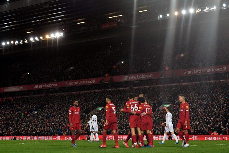 Liverpool mantuvo el invicto gracias a Salah y Mané